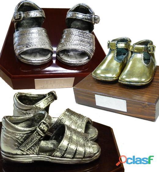 Zapatitos de bebe bañados en oro plata