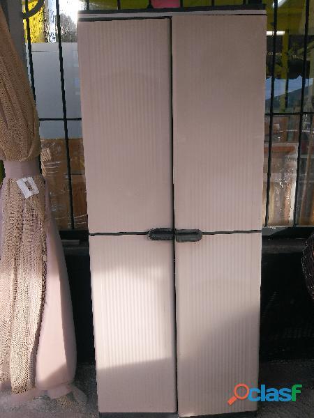 Armario de plástico ideal para exterior
