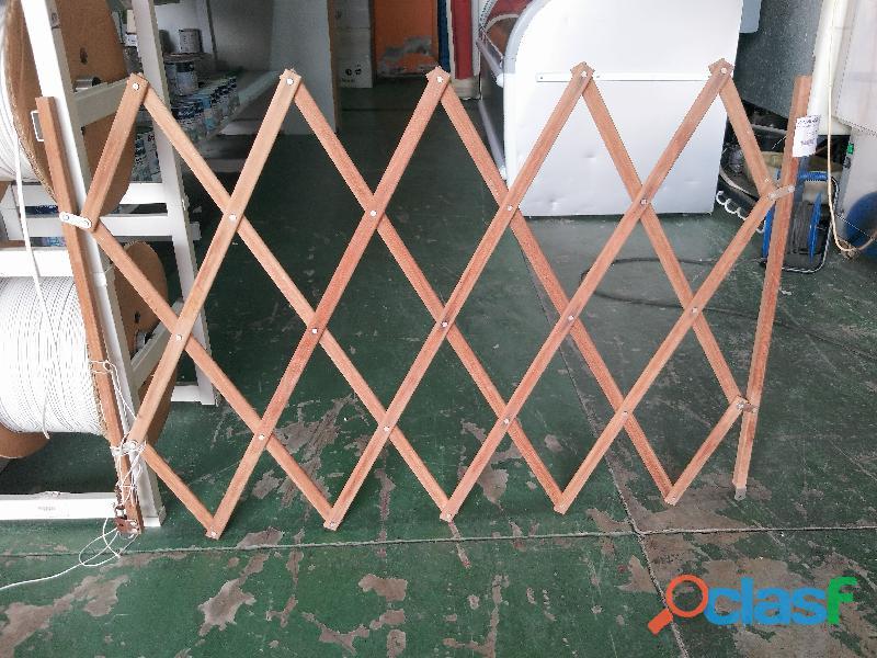 Puerta extensible de madera