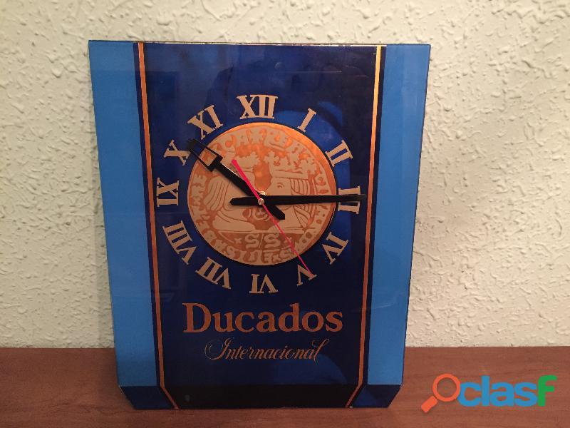 Reloj DUCADOS INTERNACIONAL