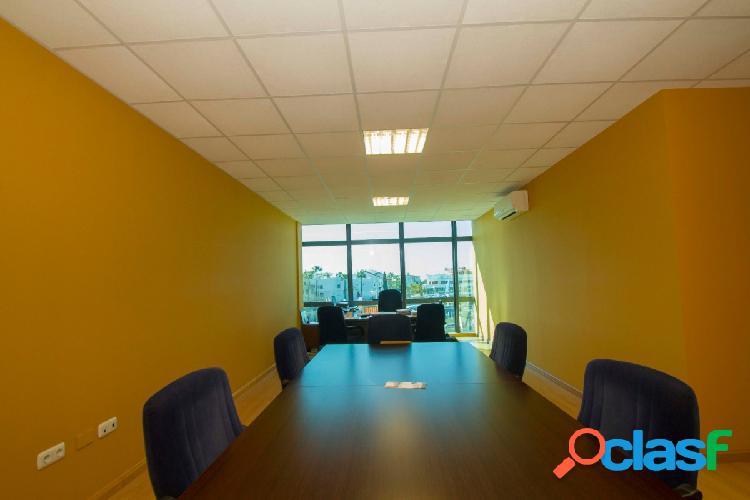 Oficina en puerto banus primera planta