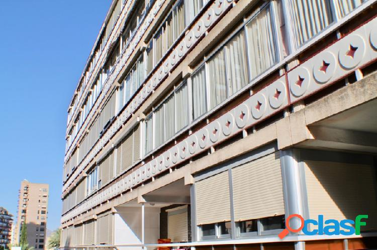 Apartamento en zona bali, piscina, parking comunitario y habitaciónes (1+1)