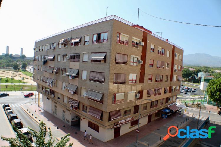 Apartamento con dos dormitorios en colonia madrid