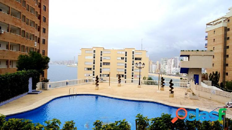 Apartamento con terraza 30m2 y parcela privada 446 m2.