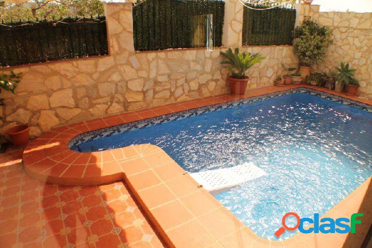 Chalet en benidorm con piscina propia en zona la lloma benidorm