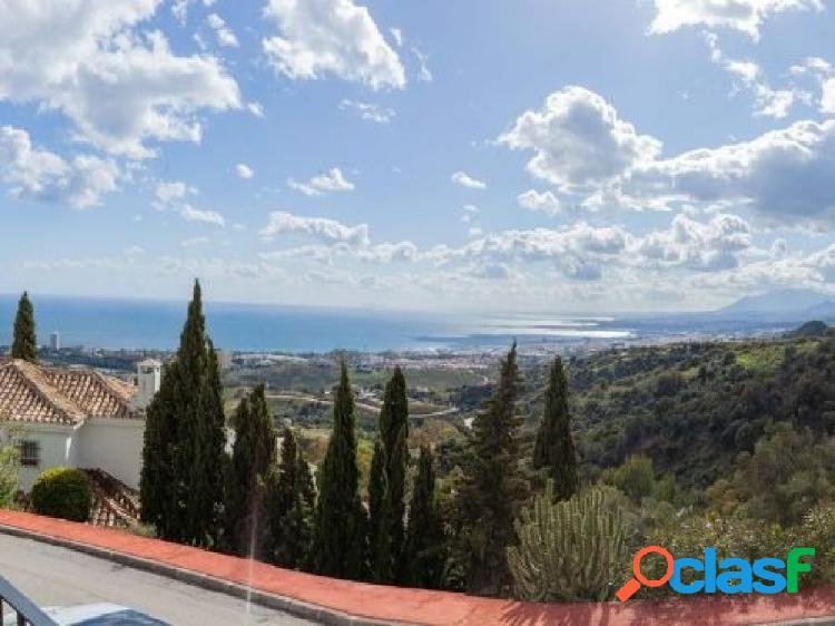 Adosado en venta en los Altos de los Monteros, Marbella.
