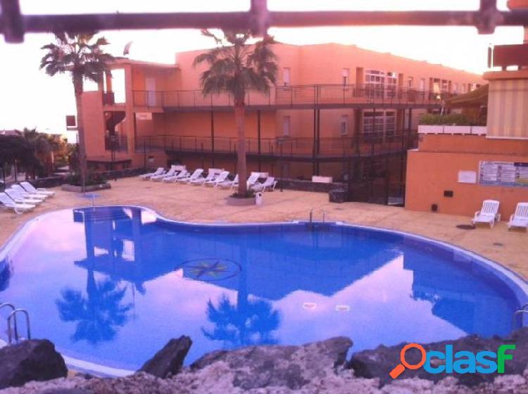 El galaeon piso de 2 habitaciones, 2 baños con piscina y zonas verdes