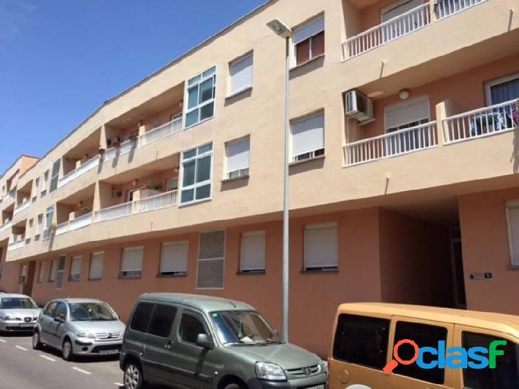 Piso 3 habitaciones, 2 balcones y garaje con muebles y aire acondicionado