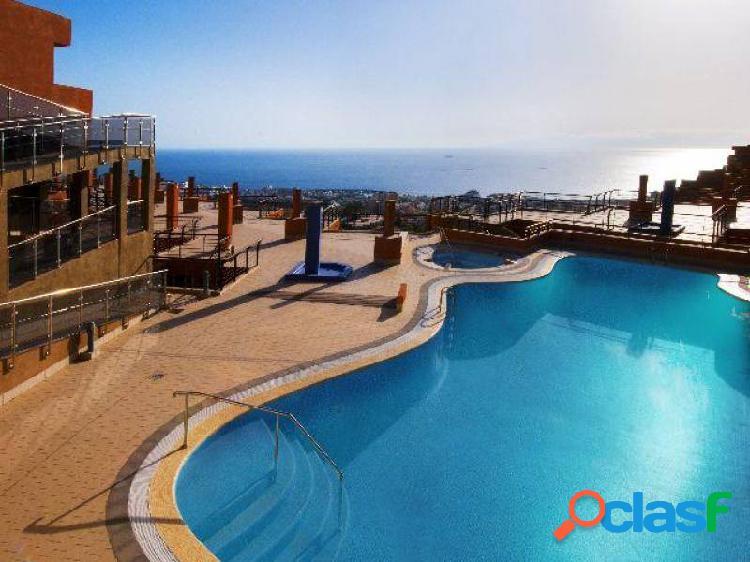 Piso 55 m2 mas terraza en costa adeje en complejo con piscina