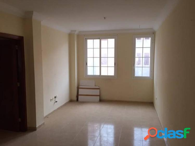 Piso de 90m2, 3 habitaciones, 2 baños y garaje en san isidro