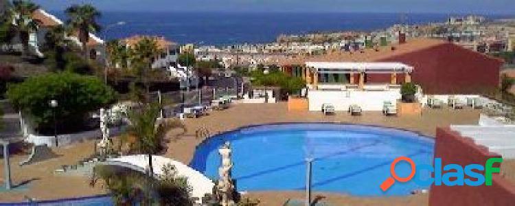 Costa adeje.. piso 80 m2 más terraza en complejo cerrado con zonas verdes, seguridad y piscina