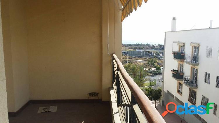 Piso de 100m2, de 3 habitaciones en fañabe con plaza de garaje y trastero