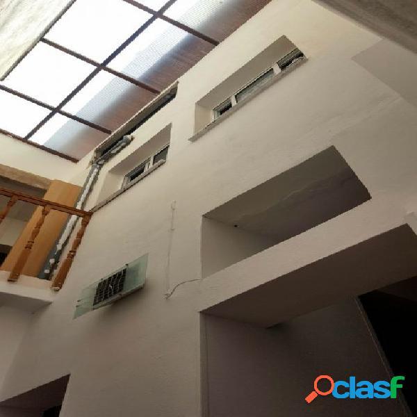 Casa independiente 4 habitaciones con solarium en el centro de adeje
