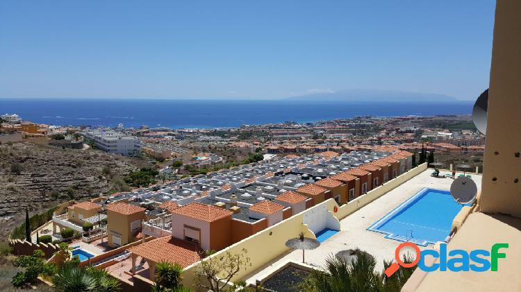 Costa adeje 2 habitaciones con terraza de 20 m2 con vistas al mar. plaza garaje
