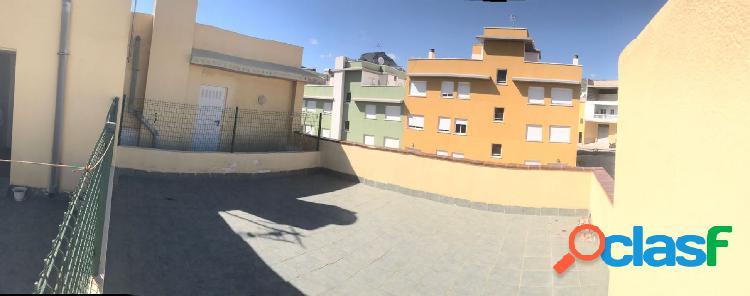 La camella, piso de 62 m2. 2 dormitorios, con azotea privativa de 30 m2, trastero y plaza de garaje