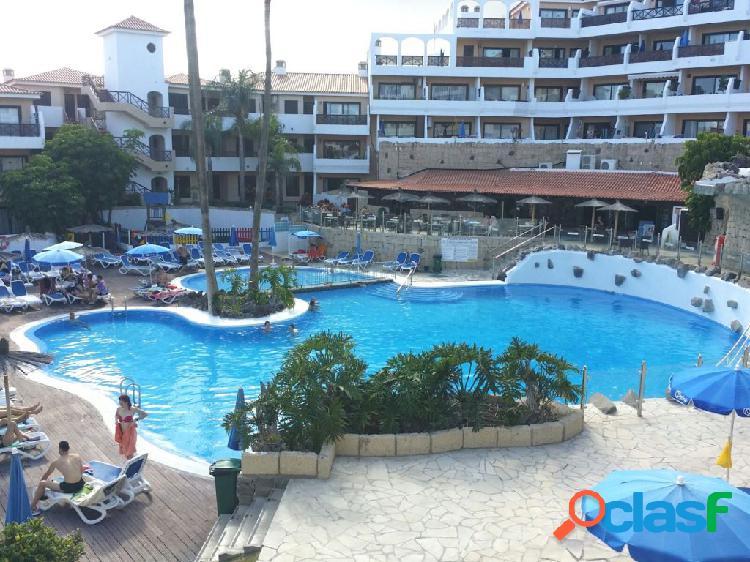 Piso 1 habitacion con piscina zonas verdes en complejo de calidad