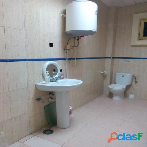 Local para cafeteria con salida de humos instalación de aire acondicionado, baños y almacén,mejor visitar,consultenos,926551070 enrique