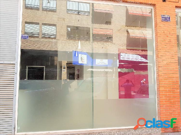 Local comercial zona centro, reformado, salida de humos, 80m2 + 30m2 sótano. precio: 160.000€