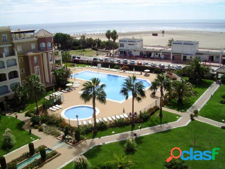 Ático de 3 dormitorios. primera línea playa isla canela. gran terraza, espectaculares vistas