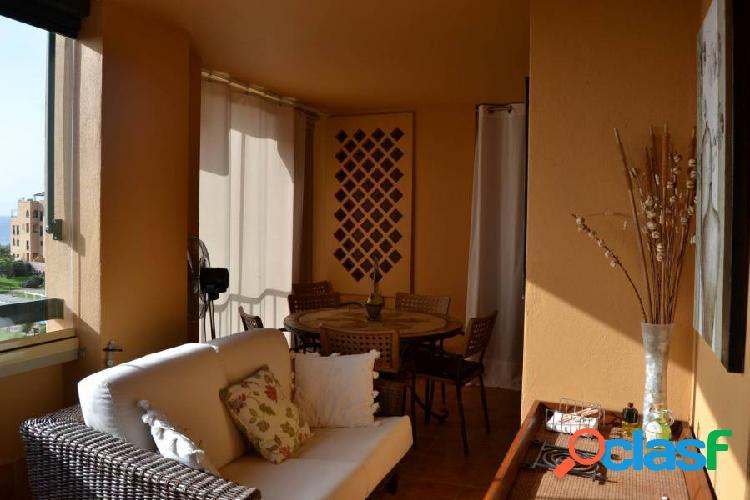 Apartamento de 3 dormitorios. primera línea de playa. frontal al mar. excepcionales vistas