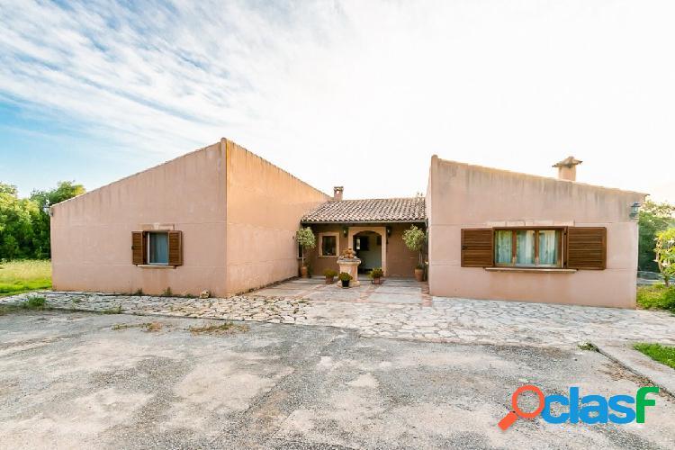 Casa al lado de las cuevas del drach de 270 metros construidos en terreno de 5.600 m2