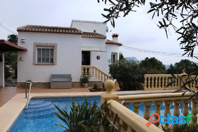 Casa con hermosas vistas a las montañas a 15 km del mar