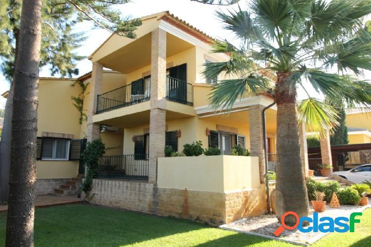 Villa de lujo construida con las mejores calidades en denia alicante costa blanca norte.