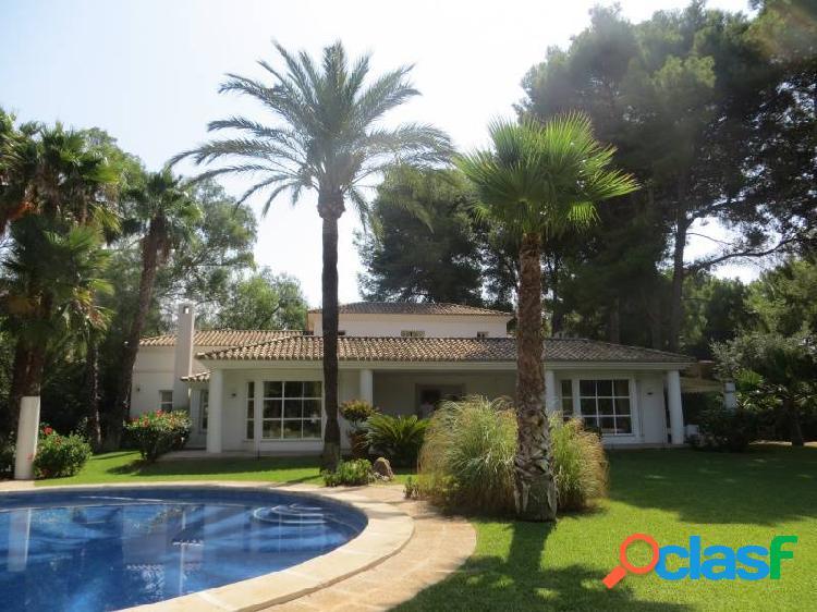 Villa de lujo en las rotas con casa de invitados