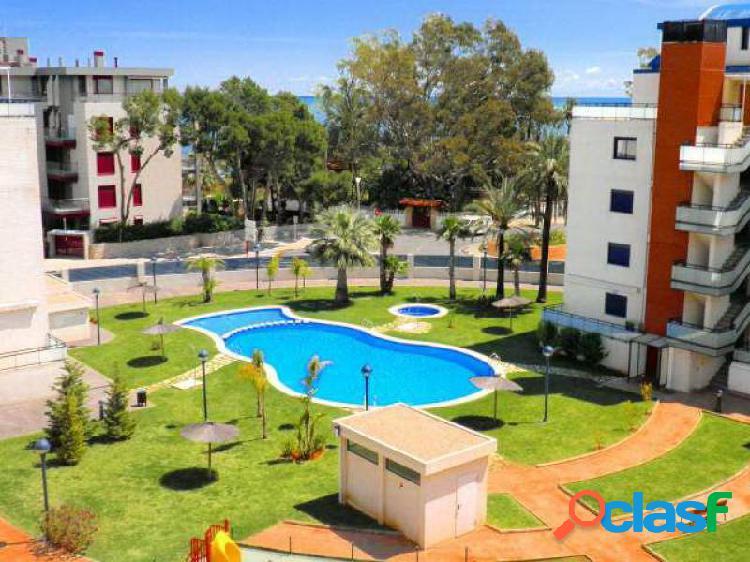 Atico con 3 dormitorios en la zona del club nautico a 150 mts de la playa