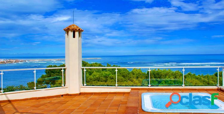 Chalet exclusivo de diseño con vistas panorámicas al mar a 170 mts de la playa marineta casiana
