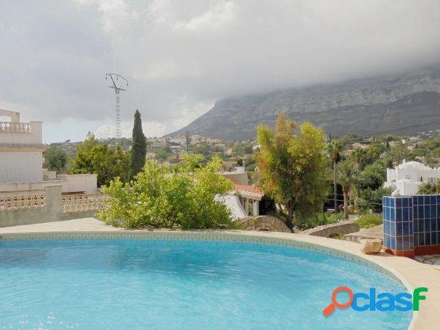Chalet independiente con 4 dormitorios y 600 mts de parcela próximo a playa de la Marineta Casiana 3