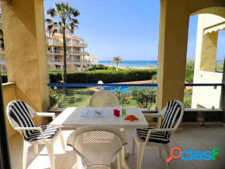 Apartamento con 2 dormitorios acceso directo a la playa con vistas al mar
