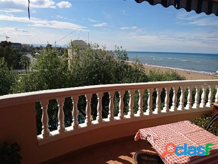 Apartamento con vistas al mar junto casco urbano