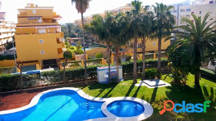 Apartamento de estilo modero con 2 dormitorios próximo a la playa y 500 mts de denia