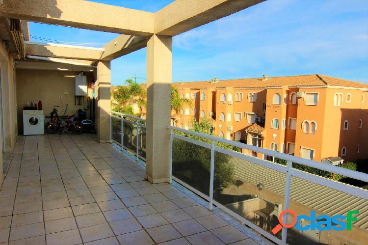 Atico con 3 dormitorios y gran terraza a 1 km de denia y a 270 mts de la playa