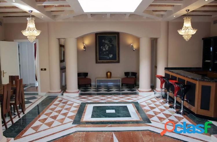 Casa privada de 3 dormitorios en Milla de Oro para vacaciones.