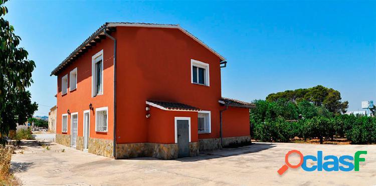 Chalet independiente con 3 dormitorios y 4000 mts de parcela