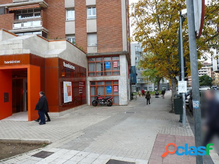 Gea inmobiliaria alquila local comercial / oficina en esquina en san juan. 290 m2