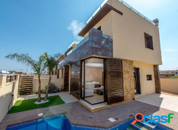 Chalet independiente con piscina