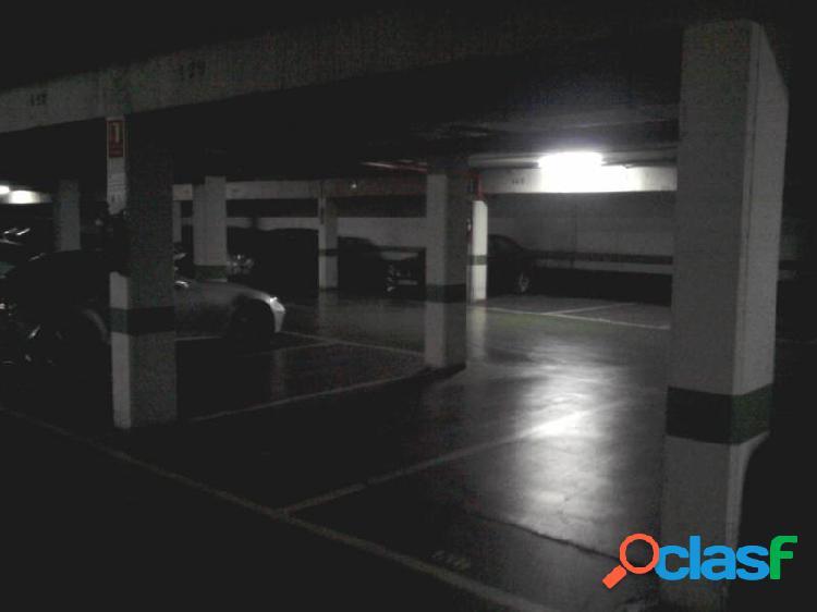 Plaza de garaje en huerta de la salud