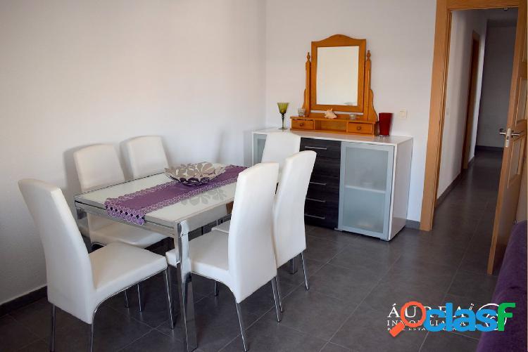 Céntrico apartamento de 2 dormitorios en los alcázares, a tan solo 300 metros del mar menor