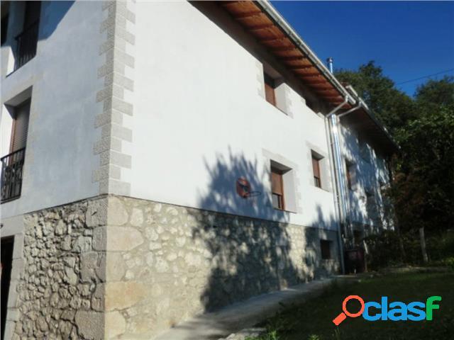 Casa de piedra en venta reformada valle de mena.