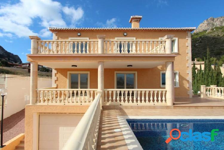 Oportunidad!! villa a estrenar con 5 dormitorios, vistas al mar y con precio sensacional.