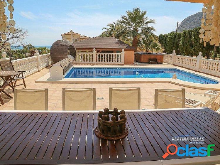 En venta amplia casa de estilo mediterráneo cerca del mar. Calpe - Costa Blanca. 1