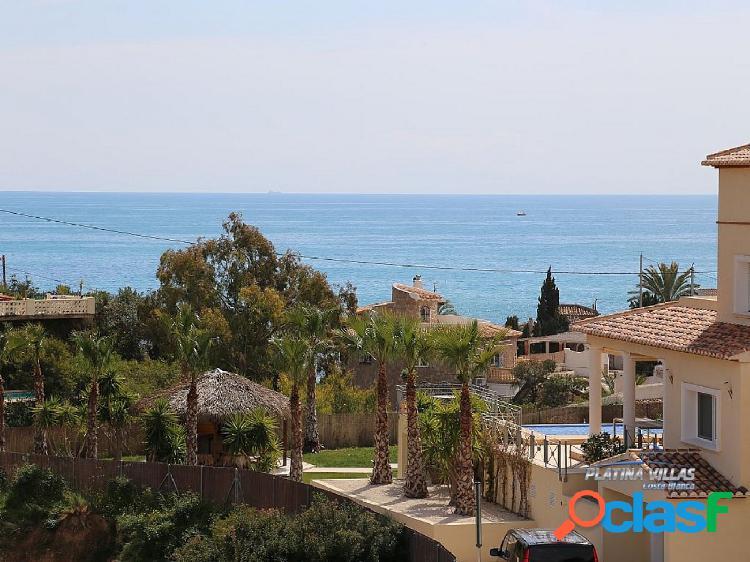 En venta amplia casa de estilo mediterráneo cerca del mar. Calpe - Costa Blanca. 2