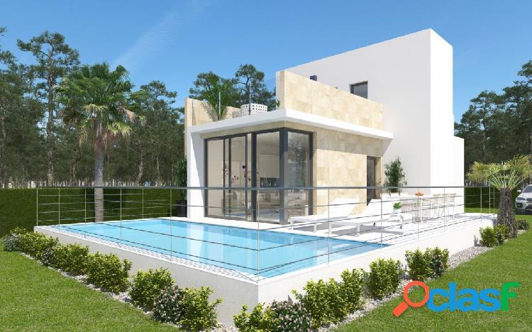Villa en construcción con excelentes vistas al mar y a pied de campo de golf