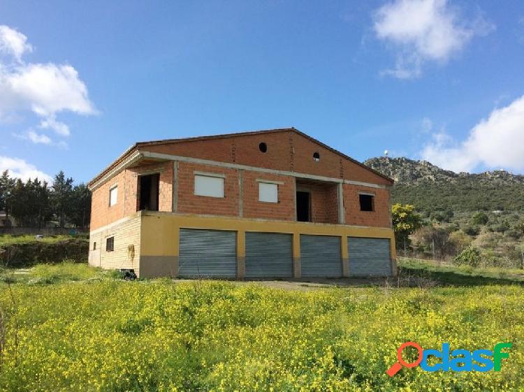 Chalet independiente en parcela urbanizable de 5.000m2