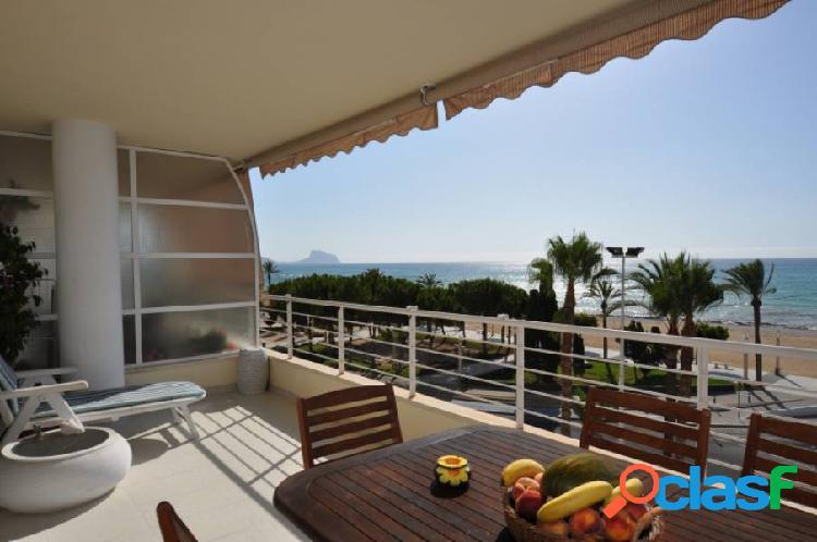 Magnífico apartamento en primera línea de playa en altea