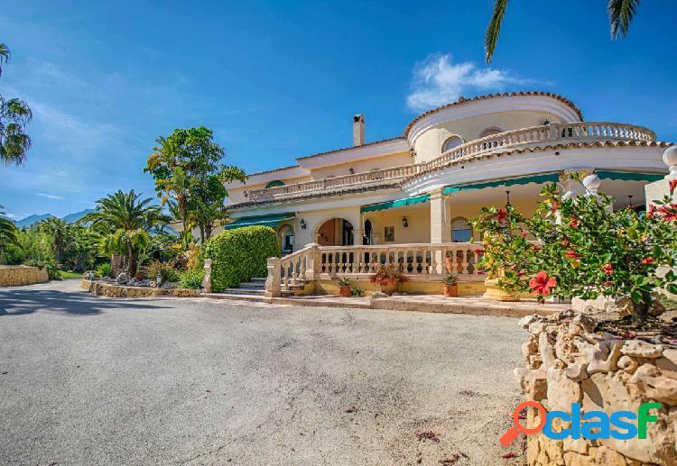 Magnífica villa con dos apartamentos de invitados y vistas panorámicas al mar en l'alfàs de