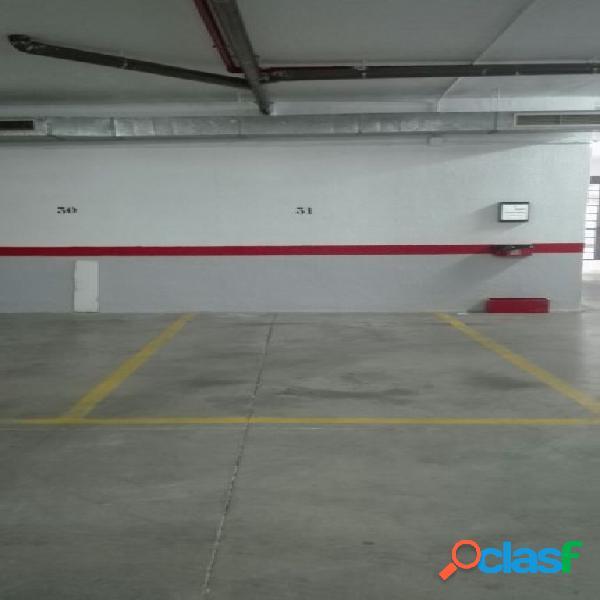 Plaza de garaje junto a renfe